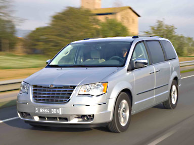 le chrysler grand voyager offre 7 places voiture 7 places. Black Bedroom Furniture Sets. Home Design Ideas