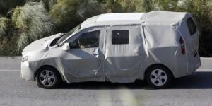 monospace dacia sera pr sent en mars 2012 voiture 7. Black Bedroom Furniture Sets. Home Design Ideas
